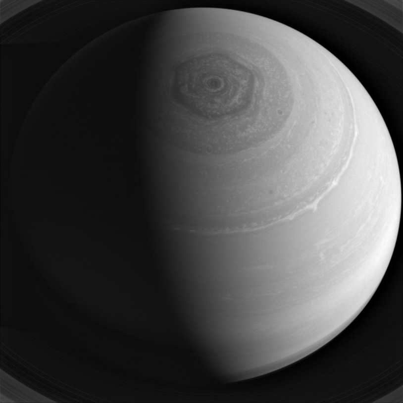 bpc_cassini_hexagone