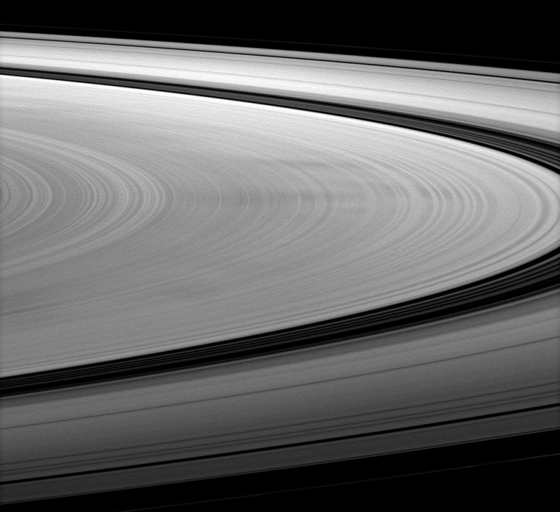 Cassini anneaux Saturne